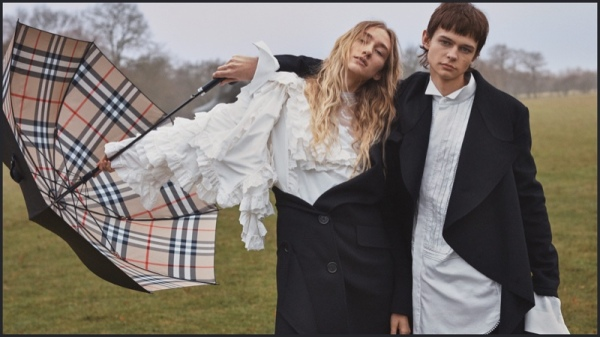 Burberry have reported a 2.0% decrease in underlying revenue to £2.8bn for year ended 31 March 2017.