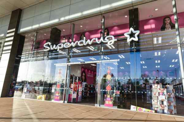 Superdrug_health-beauty_shopfront_supplied
