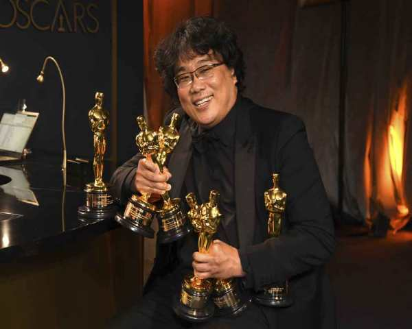 bong-joon-ho-creates-oscar-history-with-best-picture-win-for--parasite--2020-02-10