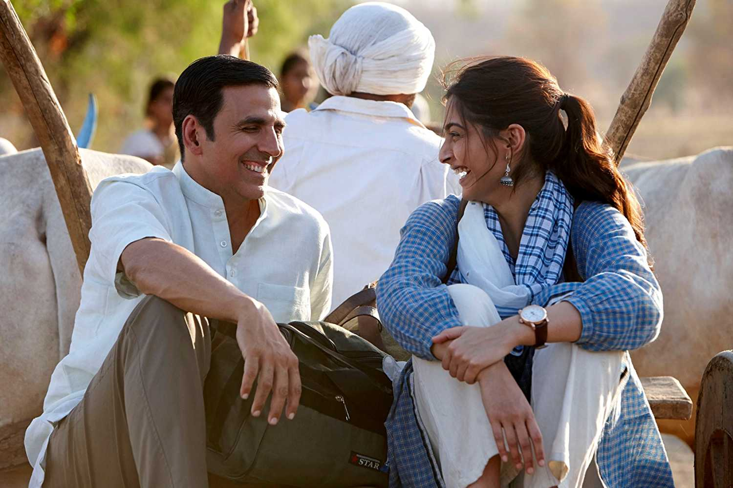 Akshay-Kumar-Sonam-Kapoor-travelling-will-bury-distances